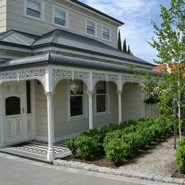clover-verandah-lace