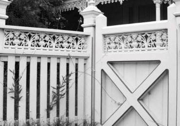 Decorative Post Caps and Lacework add a little charm in Heritage Fences
