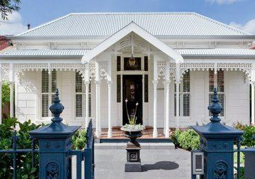 Berwick Lace looks at home on any Heritage Property