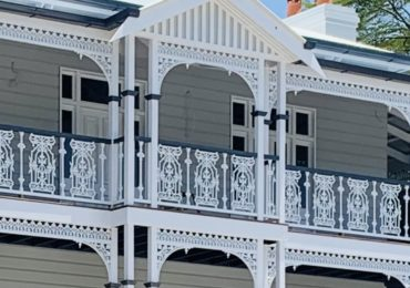 Traditional Lace and balustrade looks great on the Brisbane Queenslander